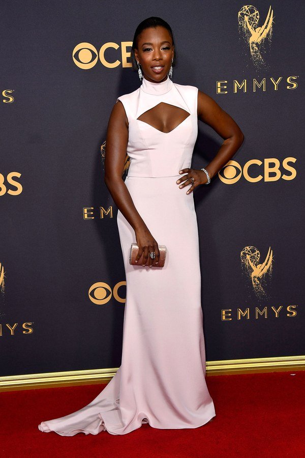 emmys-2017-all-the-looks-ss31