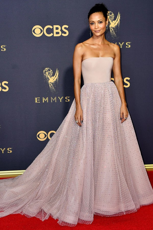 emmys-2017-all-the-looks-ss39